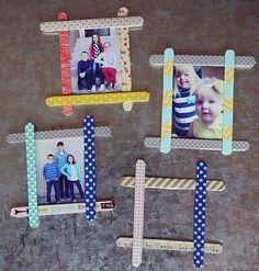 fabriquer un cadre photo simple à partir de batonnets de glace, décorés avec du masking tape à motifs différents