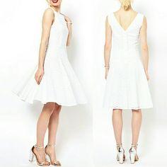 Flash Sale ♡Host Pick♡ Broderie 50's Style Dress London based Boutique by Jaeger dress. A dream for summer time! Lightweight, breezy, feminine, versatile. Runs a bit small. Mint condition. Jaeger  Dresses Midi