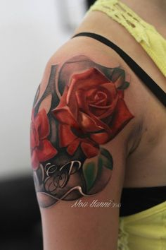 Roses in red with silverback ink