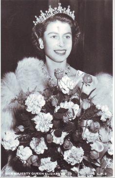 Queen Elizabeth, 1953 (13)