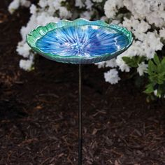 Scalloped Glass Bird Bath with Metal Stake