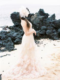 Elegant velvet and sea inspired Maui Bridal shoot