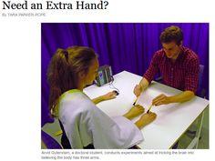 L'illusione della terza mano /Need an extra hand?