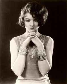 I love everything vintage, classic glamour, old hollywood. Old Hollywood Glam, Hollywood Stars, Hollywood Actresses, Classic Hollywood, Hollywood Divas, Hollywood Fashion, Myrna Loy, Fred Astaire, Silent Film Stars