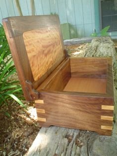 pallet projects | Walnut and Mystery Pallet Wood - by gfadvm @ LumberJocks.com ...