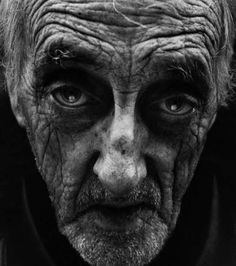 Gritty Homeless Photography - Lee Jeffries Captures the Dramatic Reality of Aging (GALLERY)