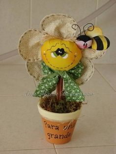 Diy Crafts Gift Box, Bee Crafts, Foam Crafts, Flower Crafts, Handmade Crafts, Craft Gifts, Fabric Crafts, Sewing Crafts, Diy And Crafts