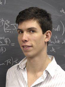 James Maynard, geboren 1987 in Chelmsford im Osten Englands, beschäftigt sich an der Uni Oxford mit Zahlentheorie. Das ist Mathematik, die unter anderem Regelmäßigkeiten in den Primzahlen untersucht.