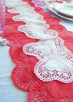 Beautiful Valentineu0027s Day Table Runner   With Paper Doilies!   Could Do This With  Round Doilies