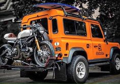 Photos d'aménagements : le fourre-tout. - Page 876 Land Rover Defender Camping, Landrover Defender, Defender Camper, Defender 130, Cars And Motorcycles, Defenders, Ducati Scrambler Sixty2, Ducati Cafe Racer, Bobber