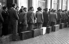 Emigrar ya no es lo que era: un testimonio sobre la crisis http://sumacultural.unir.net/201305319874/emigrar-ya-no-es-lo-que-era