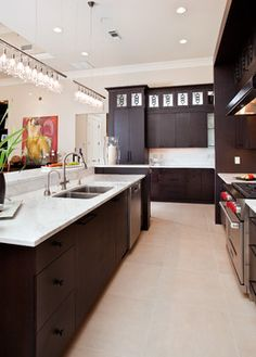 Kitchen southern bungalow kitchen, dark cabinets light counter top Design Ideas, Pictures, Remodel and Decor