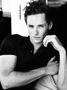 Eddie Redmayne...  so hot! cant believe hes 31! -_-