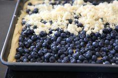 Nezbytná žmolenka na borůvky z másla, cukru, vanilky a mouky