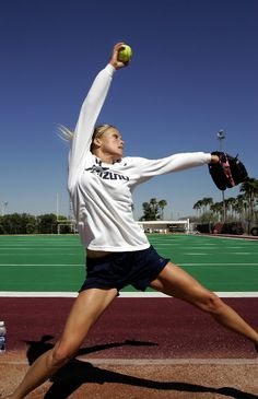 Jennie Finch... makes me miss those days pitching. I bet I can still throw a pretty good fast ball and drop ball!