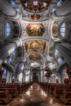 Creating spotlight effect in Photoshop.  pano - Basilika St Martin - Weingarten