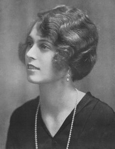 Lady Oranmore and Browne (born Mildred Egerton, later Dalrymple), 1929 Familia Windsor, British Nobility, Historical Photos, Pearl Necklace, Lady, Inspiration, Royals, Fashion, Historical Pictures