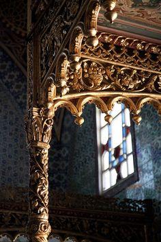 Sultan Room in the Topkapı Palace Turkish Architecture, Art And Architecture, Hagia Sophia, Beautiful Castles, Beautiful Places, Museum, Arabian Nights, Ottoman Empire, Islamic Art