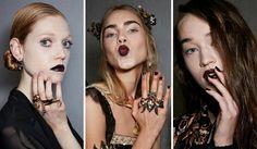 Unghie da urlo per un 2017 ricco di tendenze tutte da scoprire: gli smalti, i colori e le nail art più alla moda dell'autunno inverno 2016-2017!