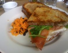 I heart eggs! Fried egg sandwich with La Quercia proscuitto and arugula #barjules.