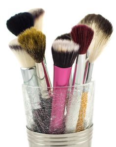A good explanation of make up brushes! - Top 10 Makeup Brushes Every Girl Should Own – Makeup Geek Best Makeup Brushes, Makeup 101, Basic Makeup, Makeup Geek, Love Makeup, Best Makeup Products, All Things Beauty, Beauty Make Up, Makeup Organization