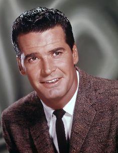 James Garner - Find A Grave Memorial Hollywood Stars, Classic Hollywood, Old Hollywood, Hollywood Glamour, James Gardner, Film Man, James Scott, Johnny Carson, Merchant Marine