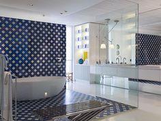 Banheiro na casa de praia Arquiteto: Roberto Migotto Fonte: Casa Cor 2013