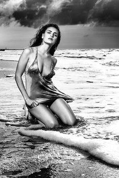 Beach Photoshoot    Model
