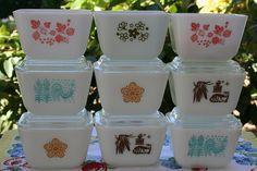Mini Pyrex fridge dishes I need these!