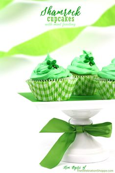 St. Patrick's Day: Easy Shamrock Cupcakes with Mint Frosting | Kim Byers, TheCelebrationShoppe.com #green #stpatricksday