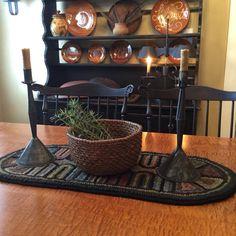 Rye Basket on oval hooked rug . Primitive Homes, Primitive Kitchen, Primitive Antiques, Primitive Decor, Primitive Country, Prim Decor, Country Decor, Rustic Decor, Rustic Style