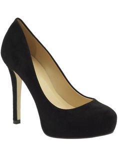 Can everyone do a pair of just simple black pumps? I think it'd tie all the different dresses together perfectly