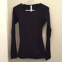 Lululemon black long sleeve. Worn once. Perfect condition. Breathable material. lululemon athletica Tops Tees - Long Sleeve