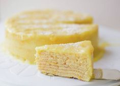 Orange Thin Layer Cake is a popular and traditional store-bought Chilean cake. Made at home is sublime — a must-try. The orange curd is just perfect. Torta Chilena Recipe, Chilean Recipes, Chilean Food, Delicious Desserts, Dessert Recipes, Crepe Batter, Crepe Cake, Recipe Images, Recipe Ideas