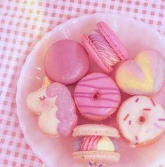 Cute Food, Yummy Food, Pink Snacks, Kawaii Dessert, Pink Foods, Cute Desserts, Pastel Cupcakes, Sweet Cakes, Aesthetic Food