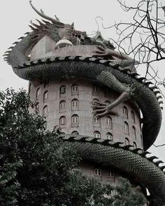 Wat Sampran Dragon Temple Thailand The Temple of Wat Samphran - Thailand Dragons, Dragon House, Beautiful Architecture, Modern Architecture, Mythical Creatures, Abandoned Places, Abandoned Buildings, Oeuvre D'art, Sculpture Art