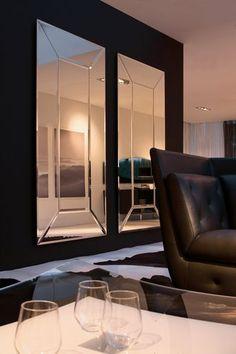 Espejos con marco de espejo y bisel... perfectos para dar amplitud al ambiente sin recargarlo!