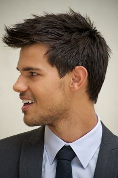 Taylor lautner poster taylor lautner mousepad and posters this is the haircut im going for beard combo too urmus Image collections