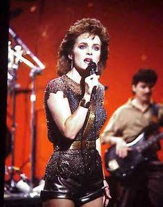 Sheena Easton Sheena Easton, Pop Music Artists, Donk Cars, Top 10 Hits, Pat Benatar, Cute Short Haircuts, World Most Beautiful Woman, Good Looking Women, Female Singers