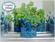 Latas pintadas y con sticker de mariposas para macetas Tin Can Alley, Cactus Y Suculentas, Canning, Plants, Gardening, Painted Tin Cans, Recycled Cans, Crafts With Jars, Black Painting