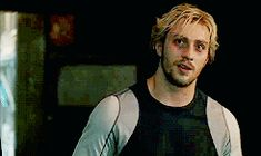 Oh my gosh, you can SEE his accent <---- Quicksilver!! <3
