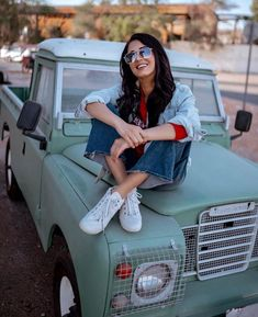 Jumana Khan is one of the well known Tik Tok star in india . Jumana Khan is the fastest growing tik toker in india . She is mainly famous for her cute smile that makes amile everyone Celebrity Photography, Photography Women, Crying Aesthetic, Girl Attitude, Stylish Girl Pic, Celebs, Celebrities, Net Worth, Short Girls