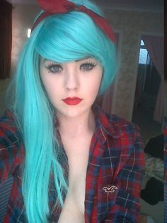 Not sure what costume you could turn this look into, but the teal hair & makeup is so pretty