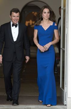 Kate Middleton - Catherine, Duchess of Cambridge attends SportsAid's 40th anniversary dinner on June 9, 2016 in London, England. On arrival, The Duchess will met SportsAid ambassadors and young athletes who will be competing in the Rio 2016 Olympics at a pre-dinner reception, as well as some of the charity's key supporters.