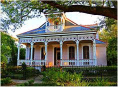 Highlights of Garden District Home