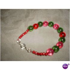 HANDMADE RED AND GREEN GIRLS BRACELET Listing in the Bracelets,Costume Jewellery,Jewellery & Watches Category on eBid United Kingdom | 36144044