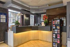 Timhotel Gare du Nord, #Paris (Maranatha Hotels) - Réception | Front desk Hotel Reception, Front Desk, Location, Hotels, Paris, Table, Furniture, Home Decor, Montmartre Paris