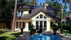 Exklusive Häuser | Landhausvilla Kanada (Putzfassade, Terrasse mit Pool)