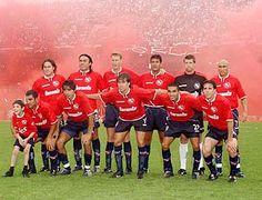 2004 Club Atletico Independiente  Milito; Serrizuela; Franco; Csatagno Suarez; Fernandez; Guiñazu; Montenegro; Silvera; Insua; Eluchans y Percudani.