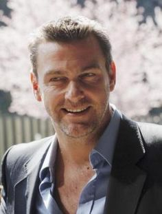 ray flowers - ray-stevenson Photo Ray Stevenson, Daddys Princess, Famous Men, Good Looking Men, Actors & Actresses, Gentleman, Eye Candy, How To Look Better, It Cast